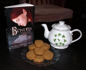 Mmm, tea and cookies!